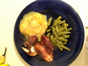 Garlic brown sugar chicken with au gratin potatoes and green beans